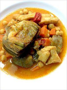 Alcachofas con garbanzos y bacalao Veggie Dinner Recipes, Chicken Salad Recipes, Artichoke Recipes, Cooking Recipes, Healthy Recipes, Snacks, Light Recipes, Fall Recipes, Food To Make