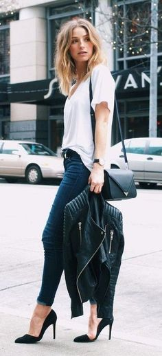 black + white. simple everyday style. high heels. pointed pumps.