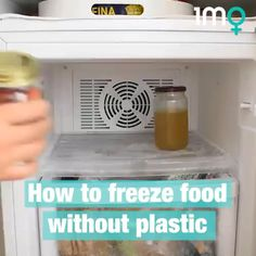 Making your kitchen and pantry plastic-free is no easy task. But with these handy tips freezers full of plastic wrap and zip lock bags will… Sustainable Food, Sustainable Living, Freezer Hacks, Helpful Hints, Handy Tips, Eco Store, Ikea Hack Kitchen, Circular Economy, Produce Bags
