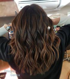 La imagen puede contener: 1 persona hair styles в 2019 г. Brown Hair Balayage, Brown Blonde Hair, Brown Hair With Highlights, Light Brown Hair, Brown Hair Colors, Brunette Hair, Dark Hair, Hair Colour, Hair Looks