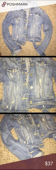 American Eagle Blue Jean Jacket American Eagle blue jean jacket. Wore once or twice to rodeo Houston. Very nice not fitted on the sides to goes perfect with a nice sundress! Allows room for layering. Size Small. (Necklace sold separately-check my closet for this item). Peace and blessings to you! <3 American Eagle Outfitters Jackets & Coats Jean Jackets