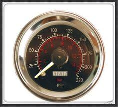 [Visit to Buy] VIAIR Double pointer air gauge DUAL needles 0-220PSI Black face barometer pneumatic suspension air ride air bag pressure #Advertisement