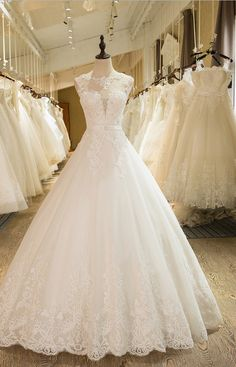 New Arrival A-Line Sleeveless Tulle Lace Appliques Wedding