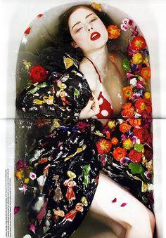 Fashion photography: Photoshoot of Canadian model Coco Rocha by Sofia Sanchez and . Milk Bath Photography, Underwater Photography, Portrait Photography, Fashion Photography, Photography School, Fashion Shoot, Fashion Art, Editorial Fashion, High Fashion