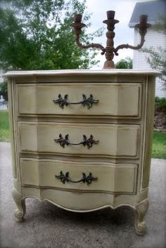 Annie Sloan Chalk Paint in Country Grey