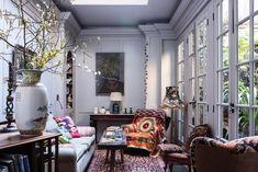 Dopo aver vissuto a Hong Kong, in Francia e nel Surrey, Olwen Evans ha scelto di trasferirsi in una dimora londinese del Settecento. Affrancati...