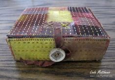 Fragments of Nature as ephemeral art Ephemeral Art, Creative Textiles, Fabric Boxes, Altered Boxes, Pillow Box, Texture Art, Keepsake Boxes, Fabric Art, Handmade Christmas