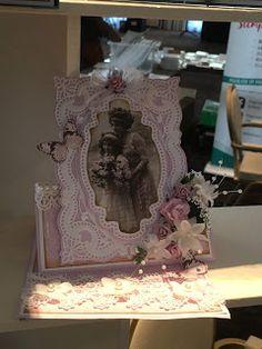 Gerda's Hobbyshop: Foto's Demo 4 van 4 - Miranda Bouhof! Easel Cards, Vintage Cards, Van, Frame, Home Decor, Photos, Picture Frame, A Frame, Interior Design