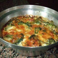 Herkullinen ja vahahiilihydraattinen yhden astian ruoka. Tahan voi melkein laittaa mita tahansa esikypsennettyja vihanneksia, jos ei hiilihydraatteja laske. Gluteeniton, vähähiilihydraattinen. Reseptiä katsottu 5660 kertaa. Reseptin tekijä: Azura. Gluten Free Recipes, Low Carb Recipes, Diet Recipes, Chicken Recipes, Snack Recipes, Snacks, Food Tasting, Rice Dishes, Low Carb Keto
