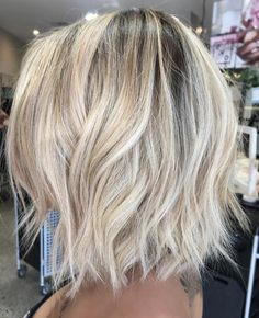 70 Devastatingly Cool Haircuts for Thin Hair - Bright Blonde Bob with Shaggy Ends - White Blonde Bob, Brown Blonde Hair, Blonde Bobs, Medium Blonde Bob, Blonde Short Hair Cuts, Blonde Bob With Fringe, Long Bob Blonde, Bright Blonde Hair, Medium Length Blonde
