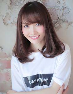 Beautiful Japanese Girl, Cute Japanese, Beautiful Women, Cute Girls, Cool Girl, Medium Hair Styles, Long Hair Styles, Asian Beauty, Hair Cuts