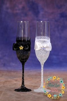Wedding champagne glasses with hand painted lace by ArtsLux