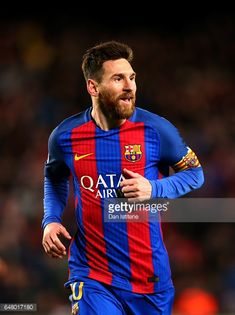 Fotografía de noticias : Lionel Messi of Barcelona celebrates after...