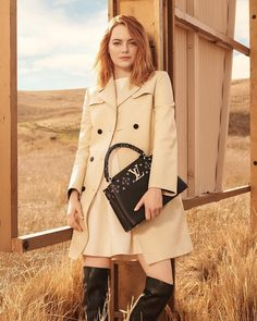 90.3 k mentions J'aime, 304 commentaires – Louis Vuitton Official (@louisvuitton) sur Instagram : « The Spirit of Travel features Emma Stone as the newest #LouisVuitton muse, wearing #LVPrefall by… »