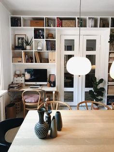 Apartment Interior Design, Interior Decorating, Small Living, Living Spaces, Home Panel, Home Library Design, Built In Bookcase, Interior Inspiration, Interior Architecture