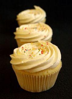 CHEZ LUCIE: Vanilkové cupcakes