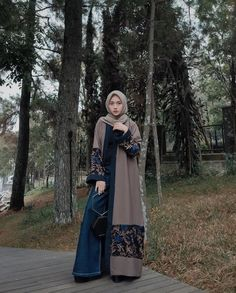 @nisacookie Batik Fashion, Abaya Fashion, Modest Fashion, Fashion Dresses, Hijab Gown, Hijab Style Dress, Moslem Fashion, Mode Abaya, Hijab Fashion Inspiration