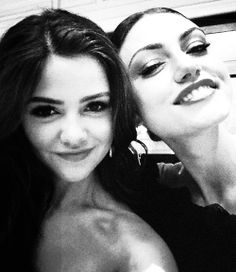 Danielle campbell and phoebe tonkin - photo#13
