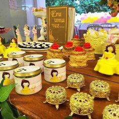 Sua filha é apaixonada por A Bela e a Fera? Então confira ideias de decorações, bolos, doces e lembrancinhas inspiradas nesse tema que está sempre em alta!