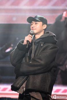 Handsome and nice jacket he got there too Joon Park, Park Hae Jin, Park Hyung, Park Seo Jun, Korean Male Actors, Korean Celebrities, Korean Men, Asian Actors, Park Seo Joon Instagram