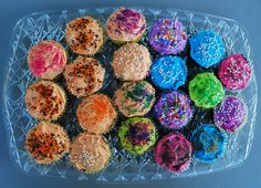 These cupcakes were park of a picnic at Oak Knoll Winery in Hillsboro, Oregon. Hillsboro Oregon, Mind Blown, Picnic, Cupcakes, Pure Products, Color, Life, Cupcake Cakes, Colour