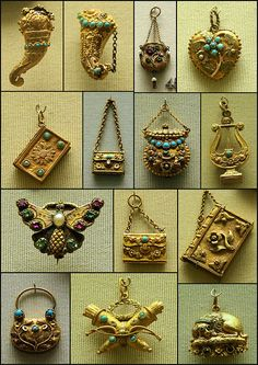 Gold vinaigrettes, 1810-20 Just imagine one of these nestled in the heroine's bosom.