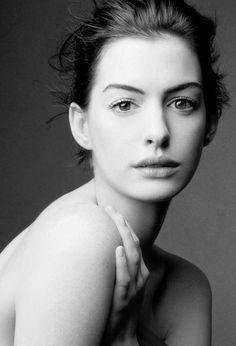 Anne Hathaway �