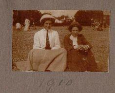 https://flic.kr/p/qJfDNF | Two Ladies on the Beach at Felixstowe Suffolk 1910