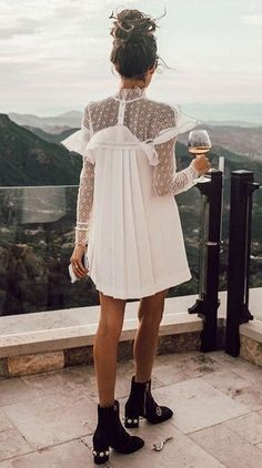 Trendy aftenkjoler: The Brèves - Fashion Trends . Moda Petite, Look Fashion, Fashion Outfits, Fashion Clothes, Style Clothes, Bohemian Fashion, Fashion Boots, Trendy Fashion, Casual Clothes
