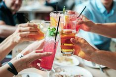 Tips to Overcome Loneliness as a Business Owner Keto Cocktails, Cocktail Recipes, Vodka Drinks, Probiotic Drinks, Drinks Alcohol, Spring Cocktails, Vodka Alcohol, Classic Cocktails, Detox Drinks