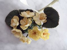 Vintage 1950's millinery flower pin Back Italy light yellow bunch paper tag