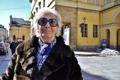 """Giuliana """"Sono nata qua nel '36 e ho sempre vissuto qui, al Montanara. Parma è la città in cui sono felice che crescano i miei nipoti""""."""