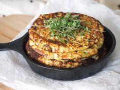 Bloemkool Tortilla's met lente ui Cauliflower Tortillas with spring onion! No Carb Recipes, Veggie Recipes, Healthy Recipes, Clean Eating Diet, Clean Eating Recipes, Cauliflower Tortillas, Low Carb Smoothies, Good Food, Yummy Food