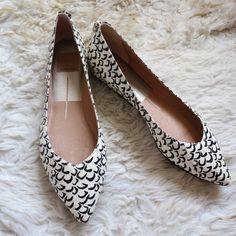 NWOT dolce vita pointed flats NWOT. New in box. Black/off white. Snake leather print. Zipper detail in back. Pointed toe. no trades or paypal Dolce Vita Shoes Flats & Loafers
