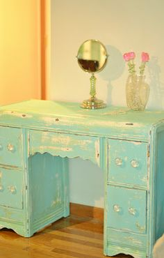 Shabby Chic Waterfall Vanity