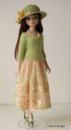 Ellowyne, OOAK Outfit in green and light orange, by *evati* via eBay SOLD 4/2/14  $182.49