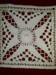 Calados Canario via fb Hardanger Embroidery, Lace Embroidery, Needle Lace, Bobbin Lace, Crochet Motif, Crochet Patterns, Chicken Scratch Embroidery, Linen Placemats, Drawn Thread
