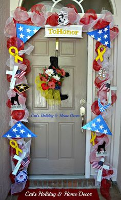 Memorial Day Door Décor Change it up a bit and could be a welcome home decoration Summer Door Decorations, Welcome Home Decorations, Memorial Day Decorations, Welcome Home Parties, Christmas Decorations, Christmas Ideas, Christmas Tree, Military Welcome Home, Classroom Decor Themes