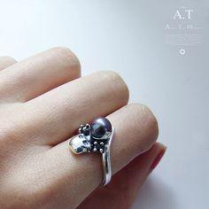 Niger Pearl    silver ring black pearl natural black by TYVODAR