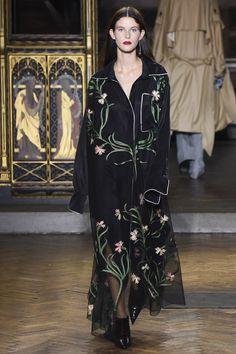 Sharon Wauchob Spring 2017 Ready-to-Wear Collection Photos - Vogue