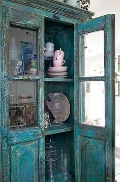Blue Cabinet shabby-chic-it