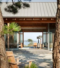 Oceanfront Retreat – Spurwink by Whitten Architects