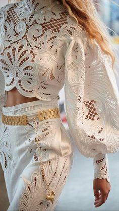 Fashion Tips Moda White Fashion, Look Fashion, Fashion Details, Womens Fashion, Fashion Tips, Fashion Design, Fashion Trends, French Fashion, Retro Fashion