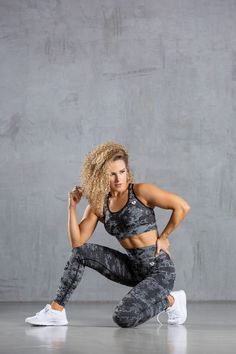 The Camo Collection has a complete, innovative soft seamless fabric and all-over jacquard camo pattern which provides a supportive, high waisted fit and flattering performance for every training session. Black Leggings, Fitness Inspiration, Amazing Women, Camo, Sportswear, Sporty, Training, Bra, Fabric