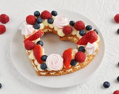 Valentin-napi cream tart szívtorta recept  Heart-shaped cream tart recipe for Valentine's day