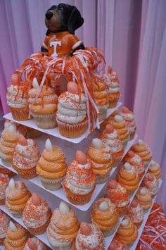 Stylish Entertaining: A Southern Tailgate Gigi's Cupcakes, Gourmet Cupcakes, Yummy Cupcakes, Cupcake Cakes, Tennessee Girls, Tennessee Football, Tennessee Apparel, Tennessee Game, Chattanooga Tennessee