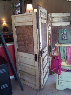 From door to decor on pinterest 17 pins for Indoor screen door