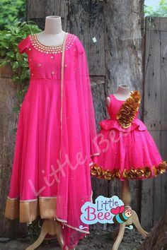 Mom Daughter Matching Outfits, Mommy Daughter Dresses, Mom And Baby Dresses, Mother Daughters, Baby Girl Dress Patterns, Flower Girl Dresses, Long Dress Design, Long Frock, Kids Frocks