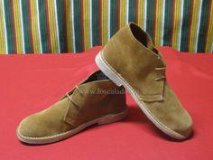 Pisacaca Camel Piel Virada Boots, Fashion, Calla Lilies, Fur, Crotch Boots, Moda, Fashion Styles, Shoe Boot, Fashion Illustrations