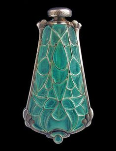 This is not contemporary - image from a gallery of vintage and/or antique objects. ART NOUVEAU Perfume Bottle & Pendant Silver Plique-à-jour enamel Perfumes Vintage, Antique Perfume Bottles, Vintage Bottles, Belle Epoque, Bijoux Art Nouveau, Art Nouveau Jewelry, Beautiful Perfume, Art Nouveau Design, Bottle Art